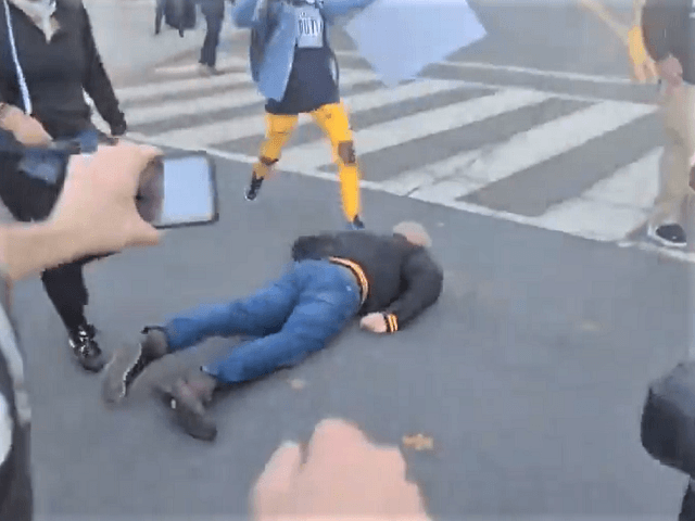 Fašisté z BLM a Antify napadli příznivce Trumpa (video)