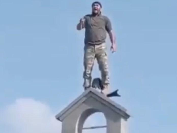 Allahu akbar!! Podívejte se, jak si mohamedáni přebírají arménské území (video)