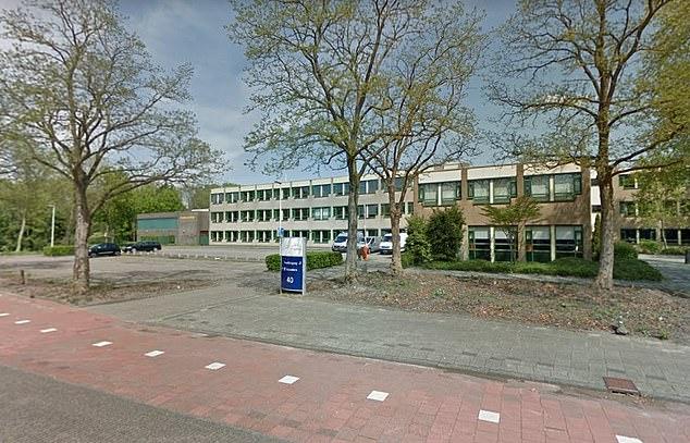 Holandsko: Učitelka se musí skrývat poté, co vystavila karikaturu a stala se terčem výhružek