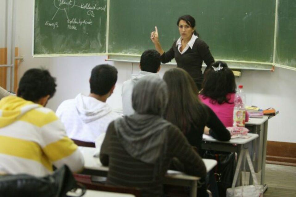 Muslimští žáci v Berlíně veřejně schvalují stětí francouzského učitele