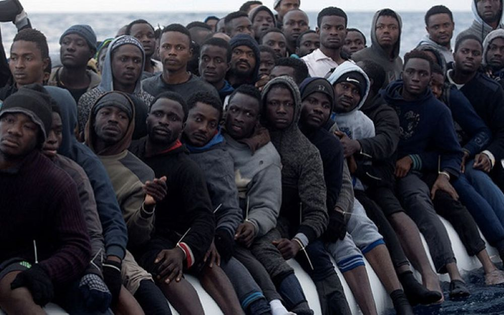 Jen za listopad připlulo na Kanárské ostrovy více než 8000 afrických vetřelců (videa)