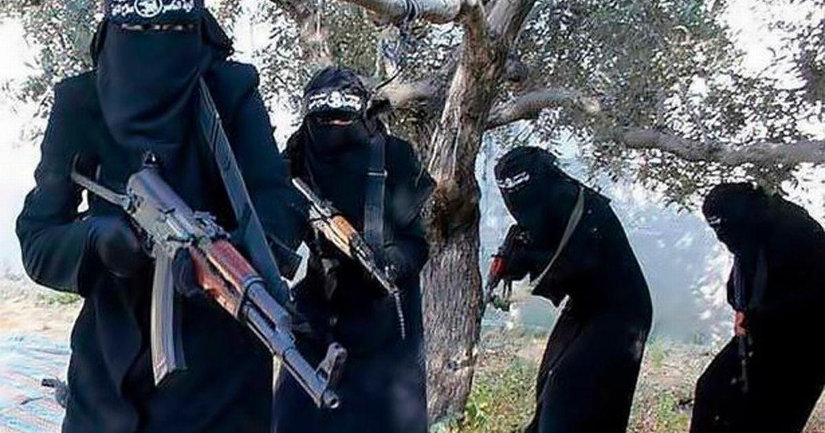 Švédsko přijímá zpět džihádistky z ISIS, některé hned putují do vazby