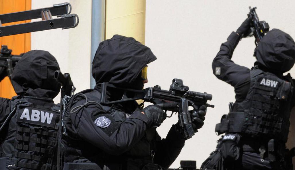 V Polsku chytili dva Iráčany, kteří financovali ISIS