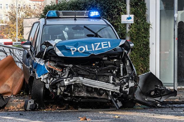 Německo: 5 zraněných policistů při automobilové honičce (video)