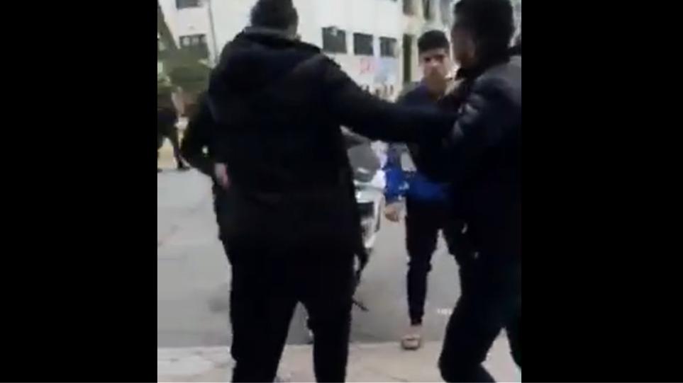 Řecko: Podívejte se, jak se na řeckém ostrově Chios porvali muslimští vetřelci (video)