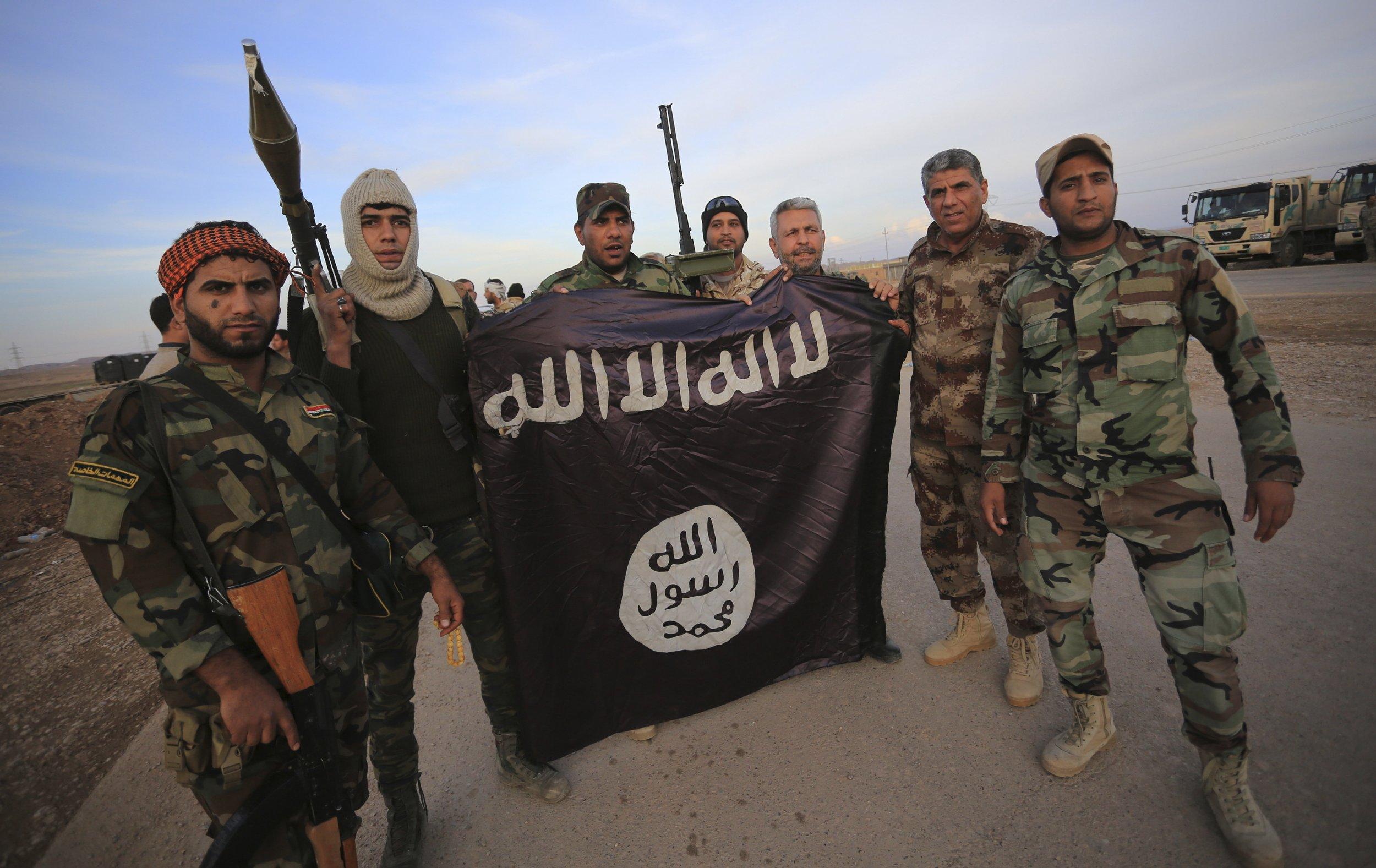 ISIS je zpět – popravy, mučení a zakládání buněk po celém světě (video jen pro silné povahy!!)