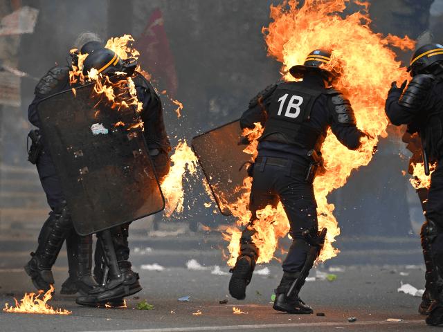 Útoky na francouzské policisty se za posledních 20 let zdvojnásobily