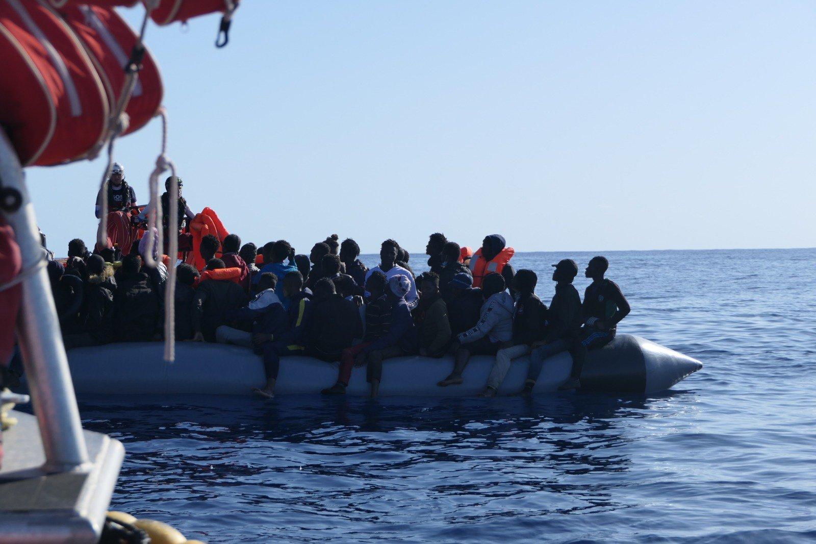 Invaze nekončí, ke břehům Sicílie právě míří loď s 422 Afričany na palubě