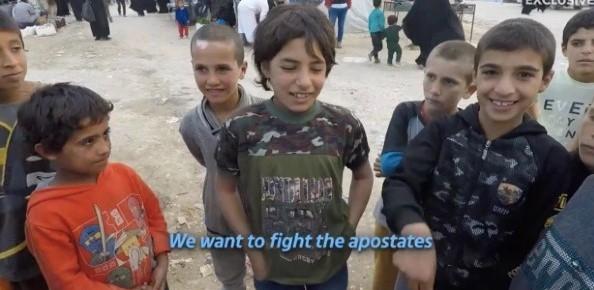 Dětičky v táborech ISIS už se těší, až budou řezat hlavy bezvěrcům