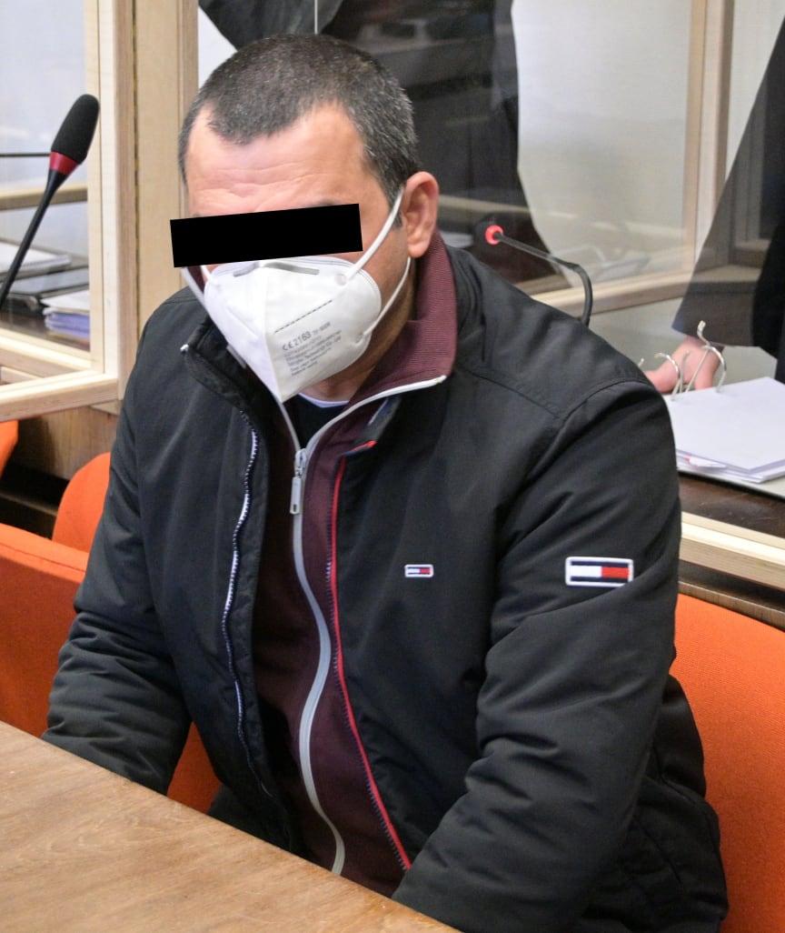 Německo: Iráčan napadl řidiče sekáčkem, usekl mu ucho