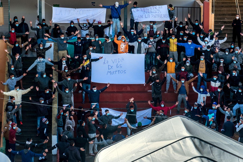Kanárské ostrovy: 450 marockých vetřelců drží hladovku, žádají o okamžitý odvoz do Evropy