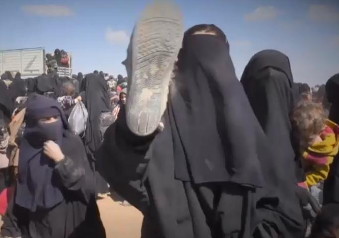 Umělci, akademici a další francouzské osobnosti vyzývají vládu k přijetí džihádistek a jejich dětí z táborů v Sýrii