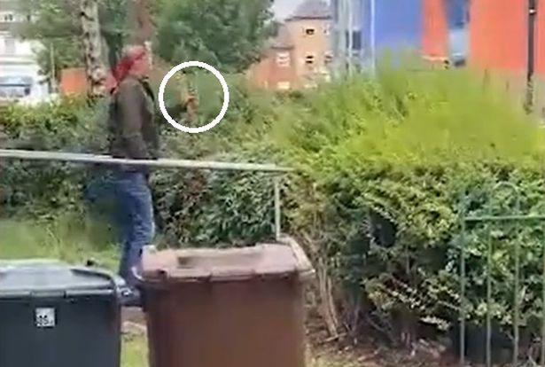 "VB: Muslim mával na ulici nožem a křičel ""Allahu akbar!"" (video)"