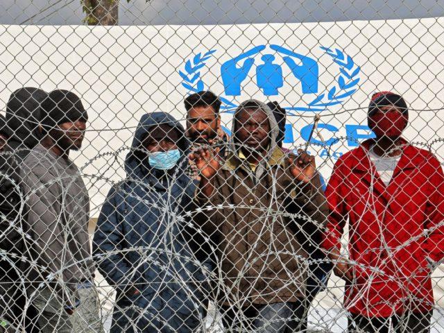 Také Kypr je výrazně postižen invazí, od EU požaduje přerozdělení migrační zátěže