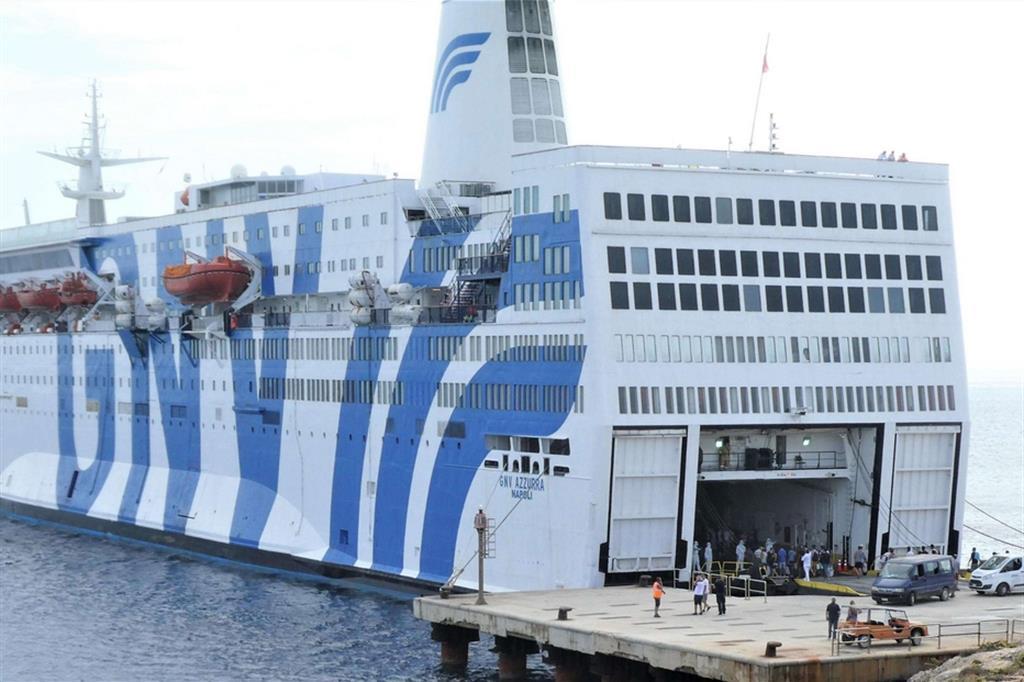 """Podívejte se, jak muslimští vetřelci """"úřadovali"""" na luxusní výletní lodi (video)"""