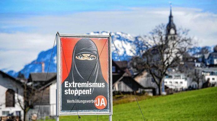 Švýcaři dnes hlasovali v referendu pro zákaz muslimského zahalování