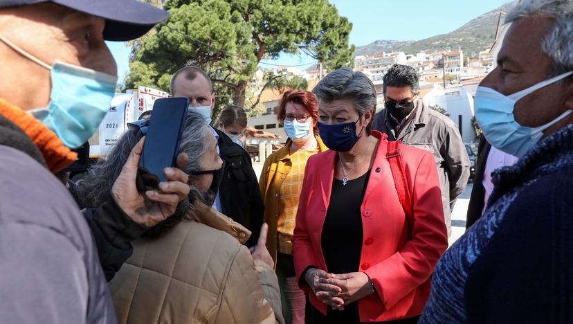 """""""Nejste na našem ostrově vítaná"""" – podívejte se, jak to nandala Řekyně eurokomisařce Johanssonové (video)"""