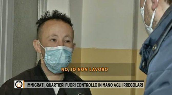 """""""Nepřišel jsem do Itálie pracovat,"""" říká přivandrovalec (video)"""