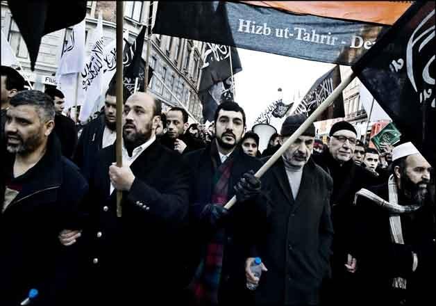 Hizb Ut Tahrir – islámská organizace nebezpečnější než ISIS