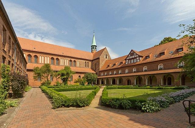 Německý klášter ubytovával ilegály, akceptovali jedině muslimy