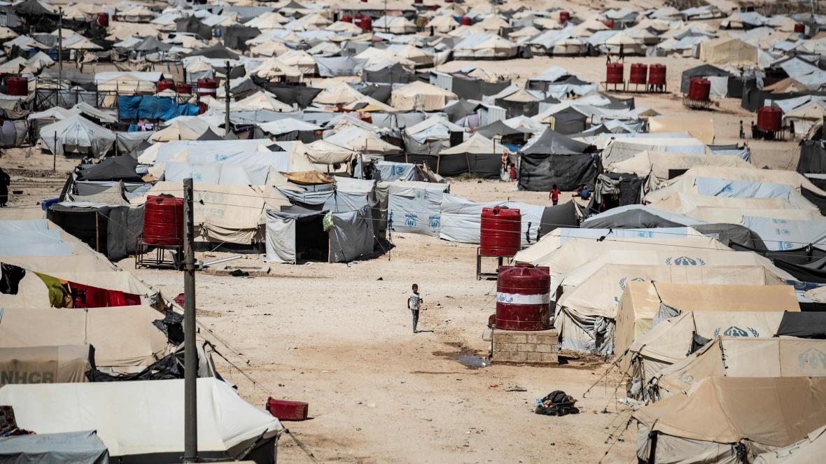 Zaměstnanec neziskovky byl zavražděn v táboře, kde jsou ubytovány ženy a děti vojáků ISIS