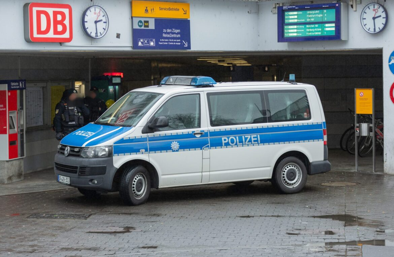 Německo: Afričan zvládl spáchat 15 trestných činů během 48 hodin