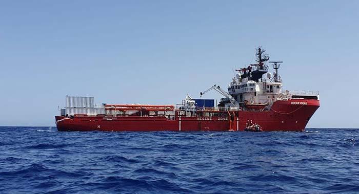 """Loď neziskovky vylovila 10 """"trosečníků"""", jeden se chtěl vrátit do Libye"""