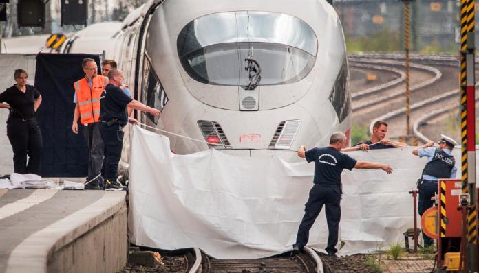 Dva syrští vetřelci hodili Němce pod vlak