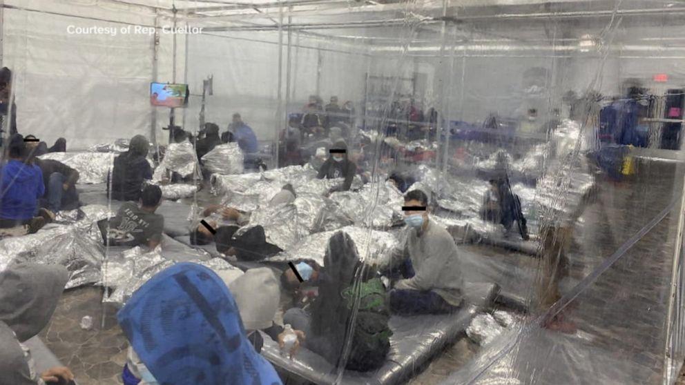 Podívejte se, jak vypadá Bidenův migrační tábor v Texasu (video)