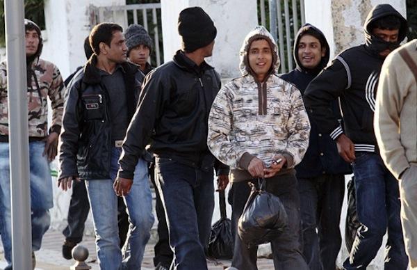 Na Krétě probíhají bitky gangů pákistánských pašeráků (video)