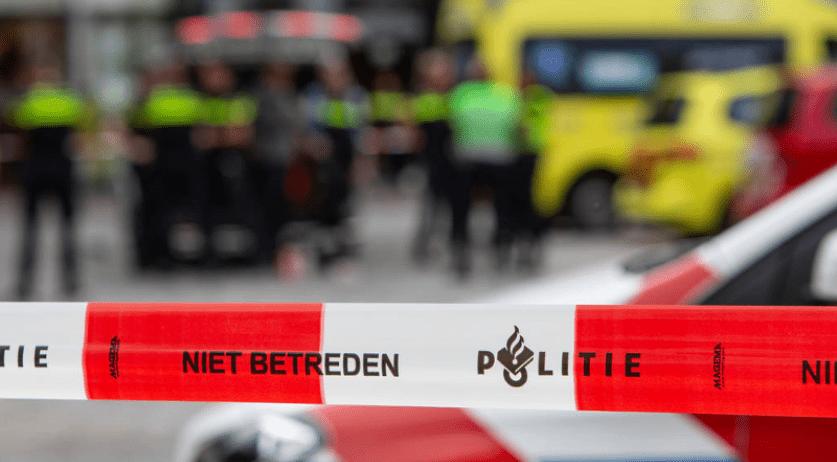 Holandsko: Klient azylového domu pobodal 7 spolubydlících (video a obrázky z útoku)