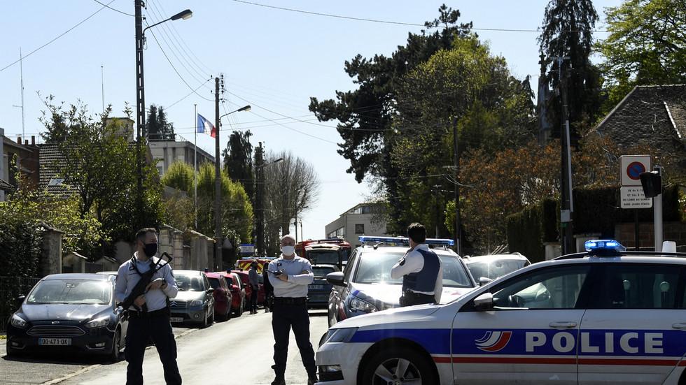 """Za pokřiku """"Allahu akbar!"""" ubodal Tunisan francouzskou policistku, na místě byl zastřelen"""