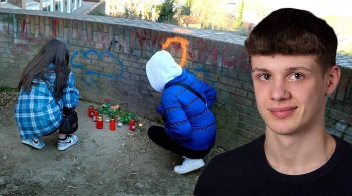 Šestnáctiletý Němec byl na ulici pobodán do hlavy, na následky zranění zemřel