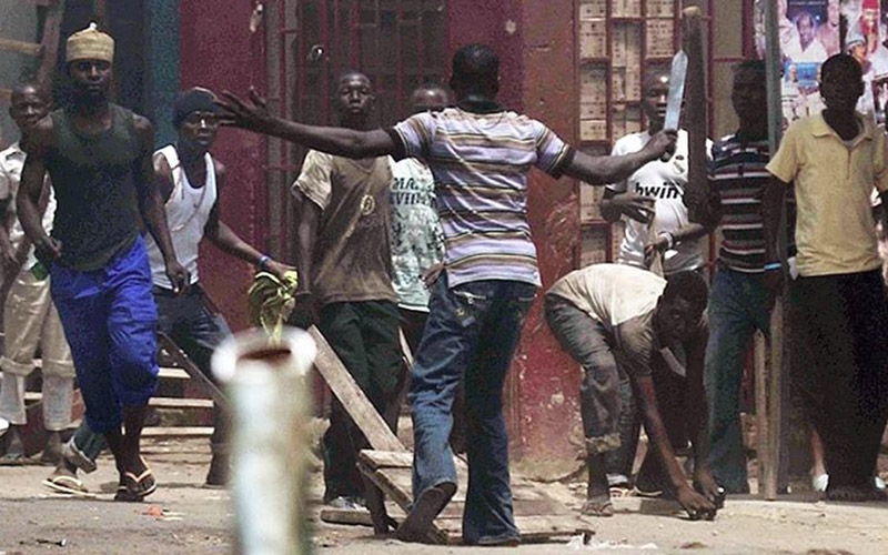 Itálie versus Afrika – rvačka Italů s africkými vetřelci (video)