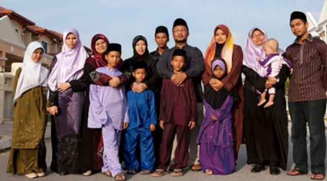 Iráčan, dvě manželky a 11 dětí – takto se islamizuje Evropa. A Evropané to platí!