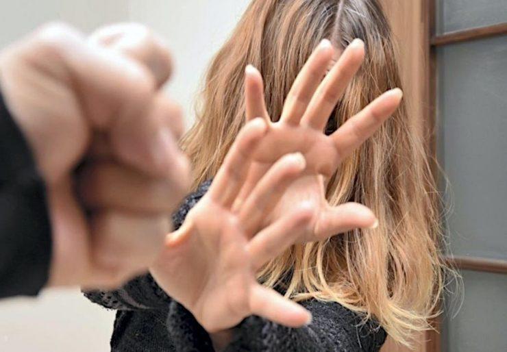 Poranění hlavy, zlomeniny, bodné rány, vyražené zuby – i takto obohacoval Arab 6 let svoji francouzskou přítelkyni
