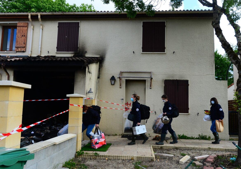 Francie: Muslim polil ženu hořlavinou a upálil ji