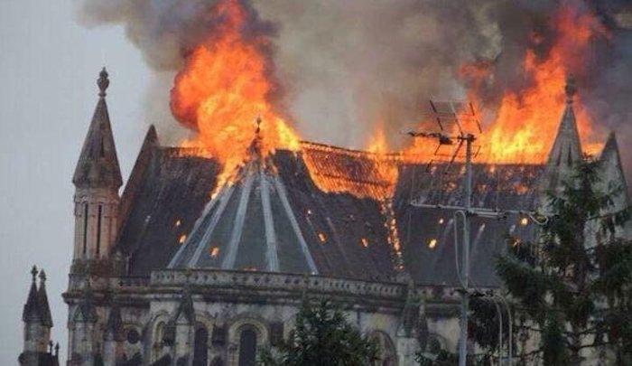 Ve Francii jsou postaveny dvě nové mešity každý měsíc, za stejnou dobu jsou zničeny dva kostely
