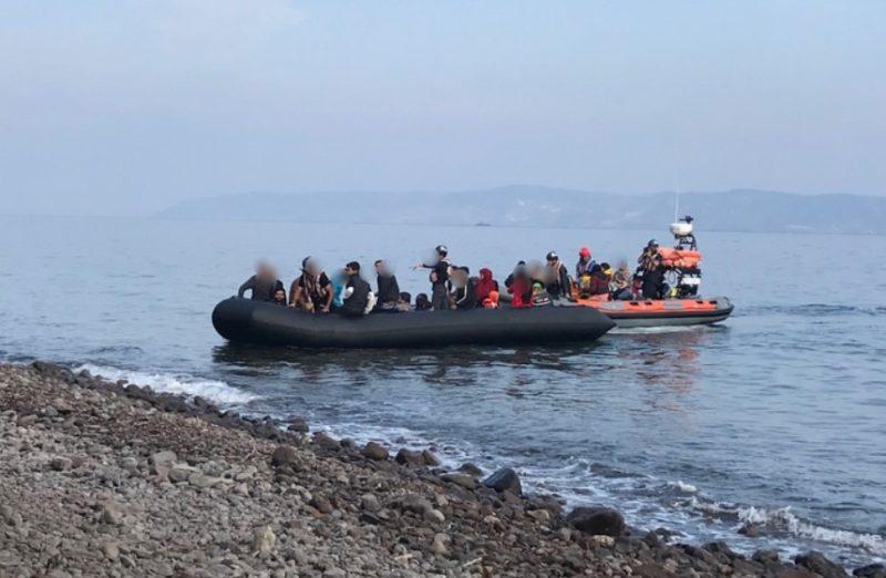 Řecko se brání invazi pomocí maskovaných komand
