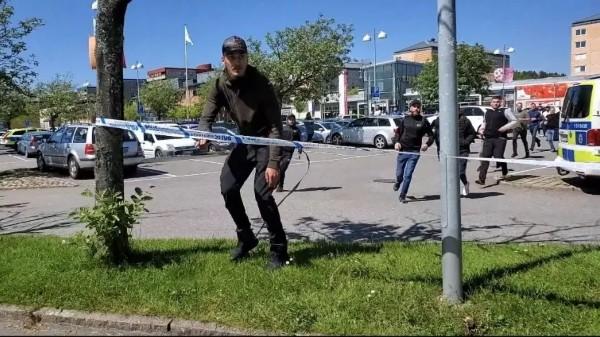 Válka muslimských gangů v Göteborgu pokračuje, došlo i k přestřelkám, jeden mrtvý (video)
