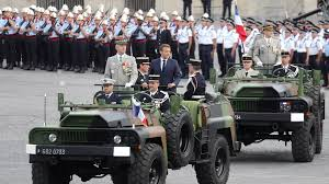 """Další vysoce postavení důstojníci varují: """"Začala hybridní válka proti Francii i Evropě"""""""