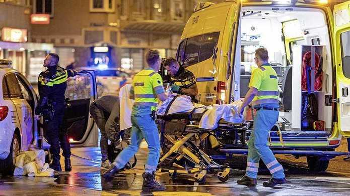 Útok nožem v Amsterdamu – 1 mrtvý, 4 zranění