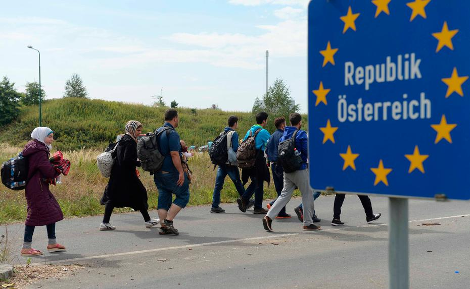 Poslední rok nezvykle vzkvétá pašeráctví, v Rakousku zachytili stovky převaděčů, stoupají i počty žadatelů o azyl
