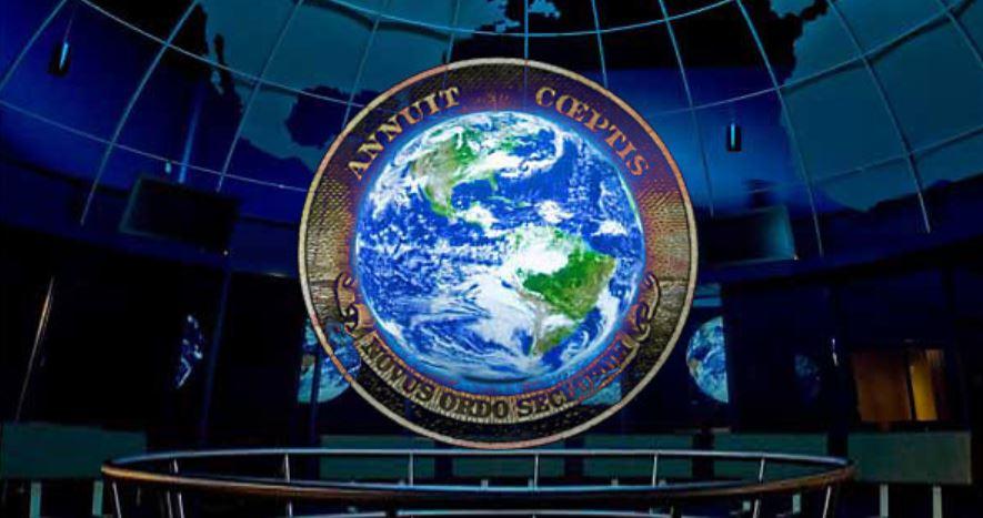 Jedna globální světovláda, absolutní kontrola obyvatel planety – když se konspirace mění v realitu