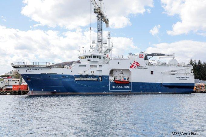 I přes nové posily stávající pašerácké lodě nestíhají, Lékaři bez hranic si pořídili novou loď