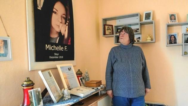 Rakousko: Matka šestnáctileté dívky vypráví o tom, jak byla její dcera ubodána Afgháncem