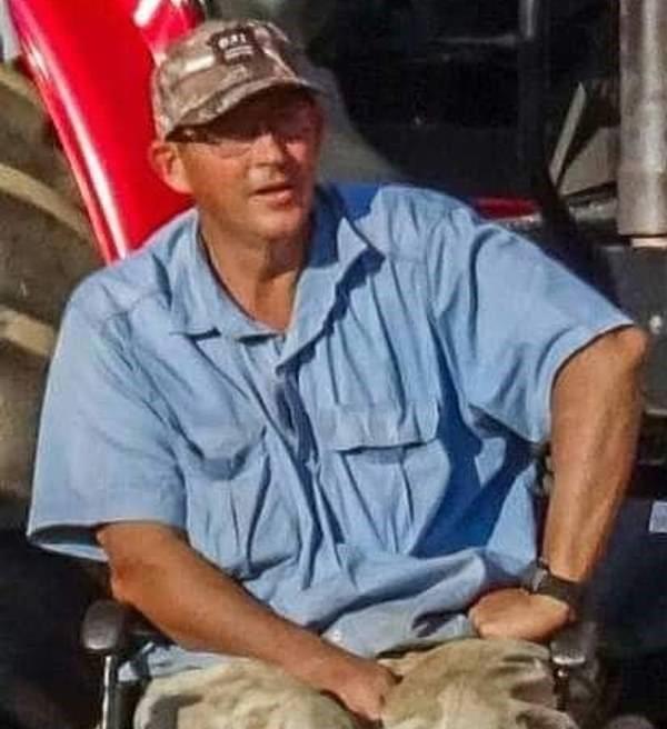 JAR: Bílý vozíčkář byl přepaden na své farmě, přivázán k vozíku a uškrcen