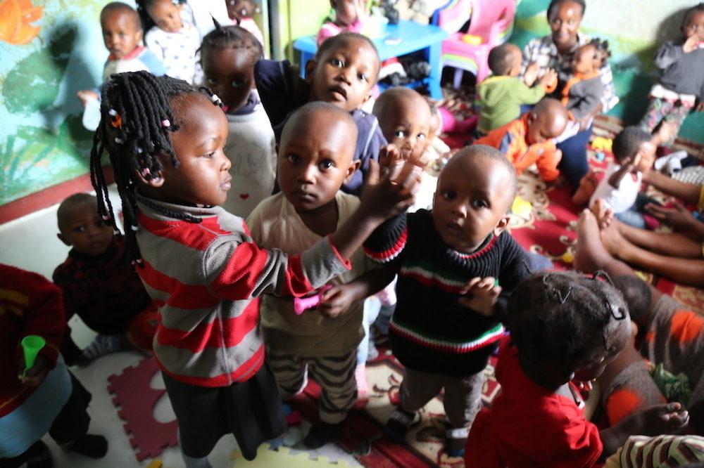 Itálie: Manželský pár z Ghany týral děti ve školce
