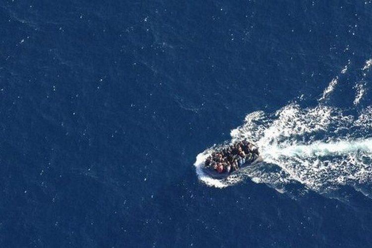 Invaze nekončí: 4 plné lodě Afričanů připluly ke břehům Kanárských ostrovů během 2 dnů