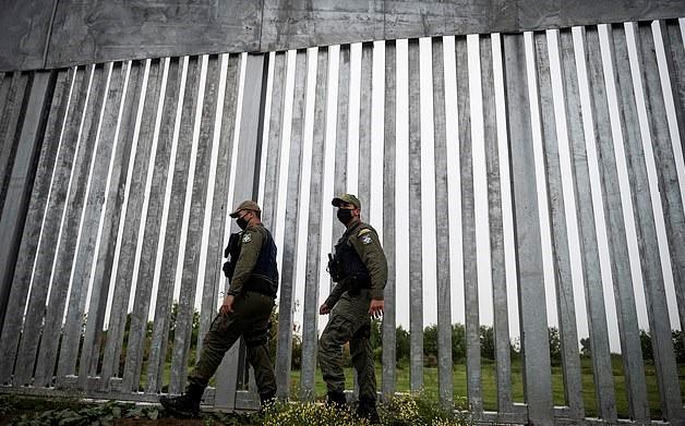 Řecko bude mít perfektně zabezpečené hranice, ale co Itálie a Španělsko?